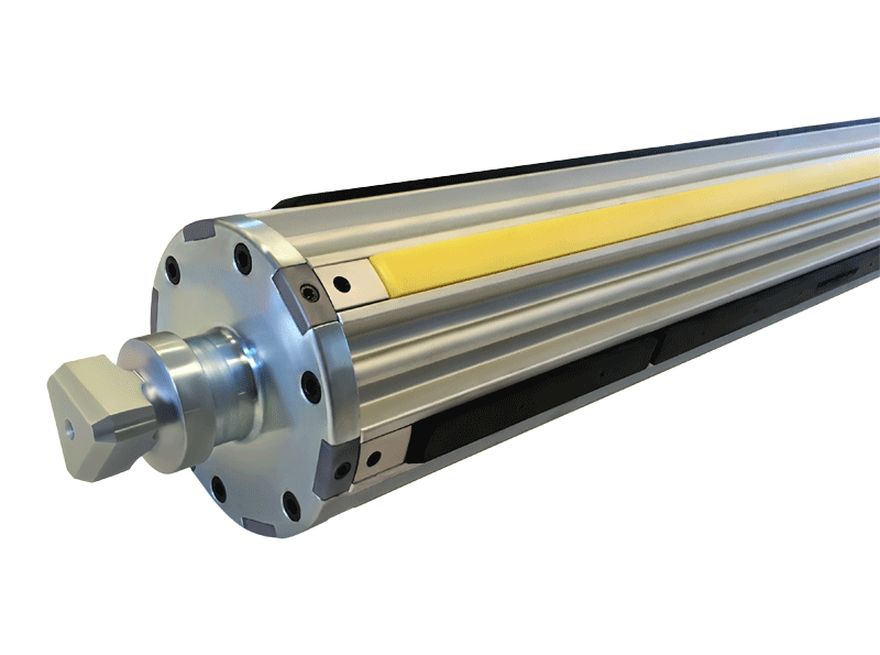 "the lightest air shaft for 6"" cores on the market that features a super light anodized aluminium body, 3 centring strips and 3 clamping rubber strips"